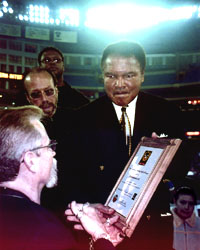 Mohammed Ali recieves his Ace Award